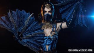 kosplei-devushka-siuriken-maska