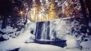 utro-les-reka-vodopad