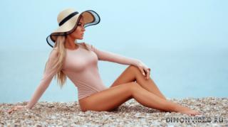 model-krasotka-blondinka-seksi