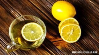 chai-limon-dereviannaia-poverkhnost-chashka
