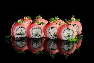 Заказать суши и роллы на день рождения в городе Санкт-Петербурге - почему бы и нет