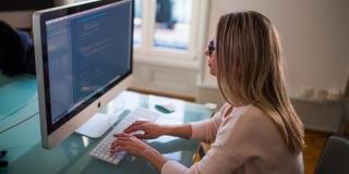 Как получить востребованную профессию в IT с нуля?