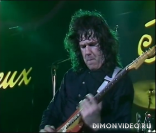 Gary Moore - Moving On (live at Montreux)
