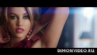 Samantha Jade ft. Pitbull - Shake That